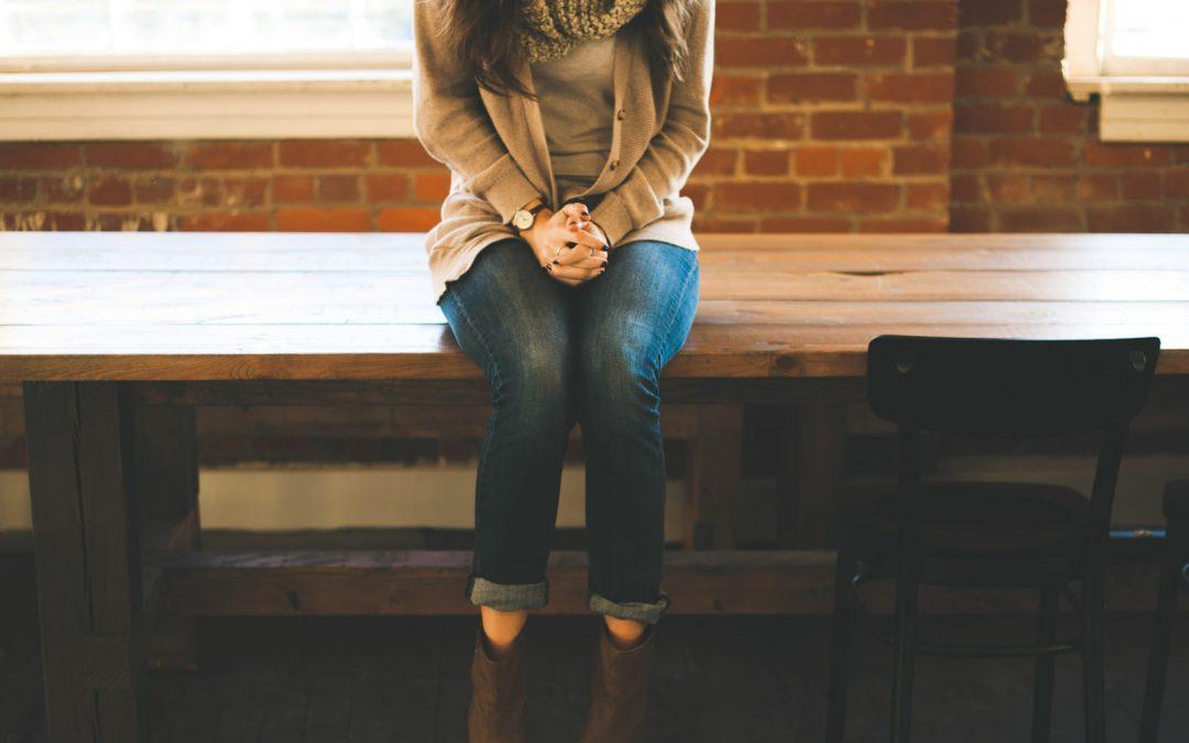 Bewegung im Büro – warum stundenlanges Sitzen schadet